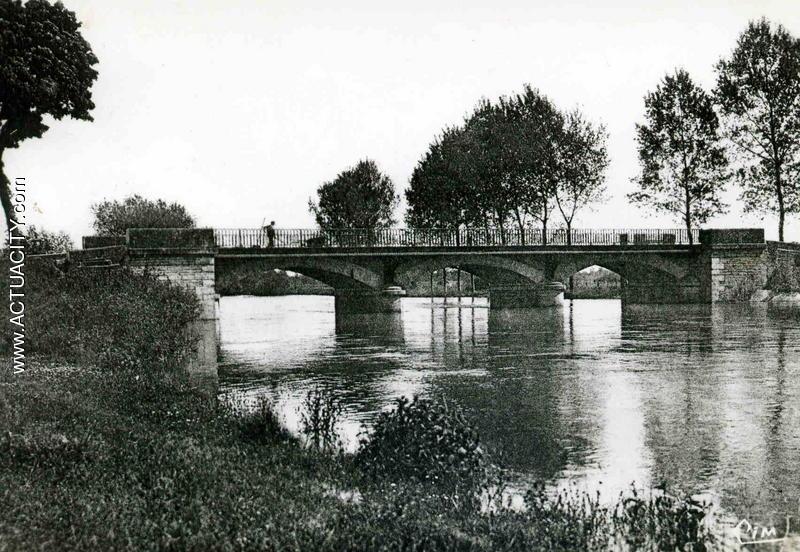 Le pont sur la Tille