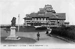 Le Casino et la statue de Chateaubriand
